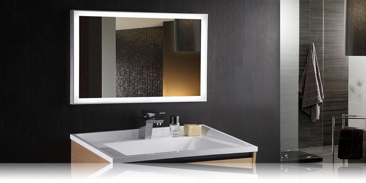 LED зеркало со светодиодной подсветкой прямоугольное с в ванной комнате